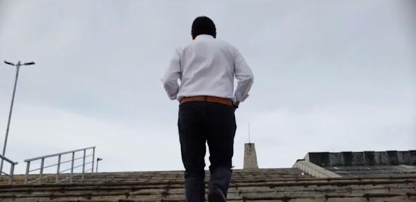 Senador se disfraza de Rocky para promocionar sus logros en Chiapas (VIDEO) -