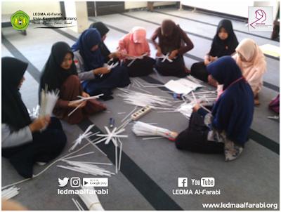 Muslimah Kreatif Al-Farabi Kelola Bahan Bekas Menjadi Handicraft