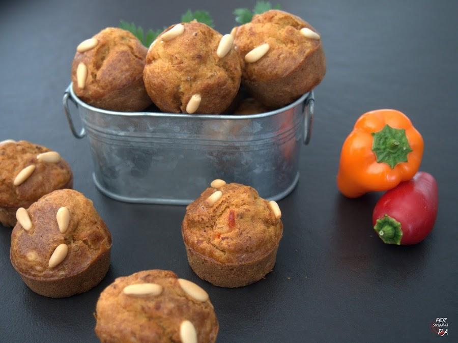 Muffins salados para el apertivo, de bacalao con pimientos y un toque picante