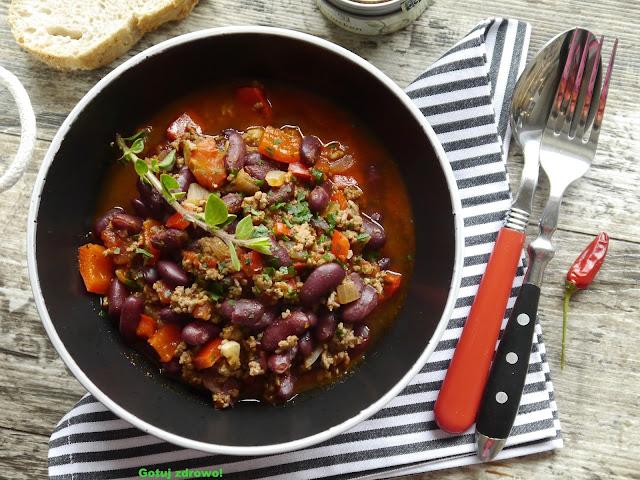 Chili con carne - pyszna papryka z mięsem - Czytaj więcej »