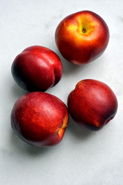 Farmers-Market-Nectarines-tasteasyougo.com