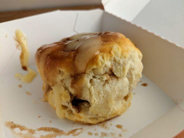 Review Kfc Cinnabon Dessert Biscuit Brand Eating