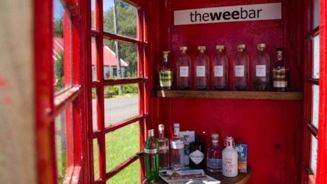 Las bebidas son gratis en el bar más pequeño del mundo