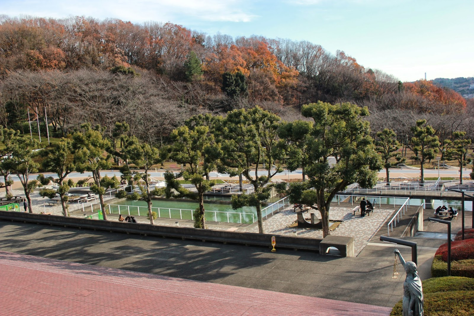 Chuo_Campus_Pond_Quad