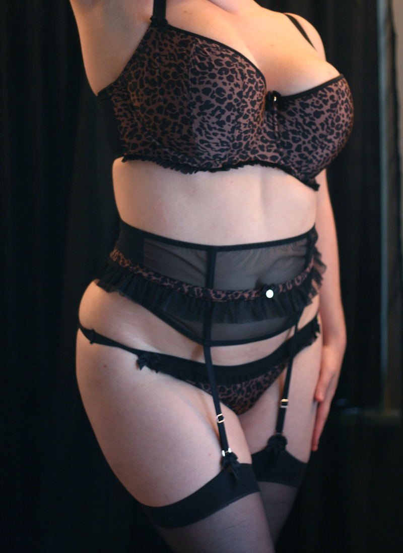 Sexy lingerie 34g
