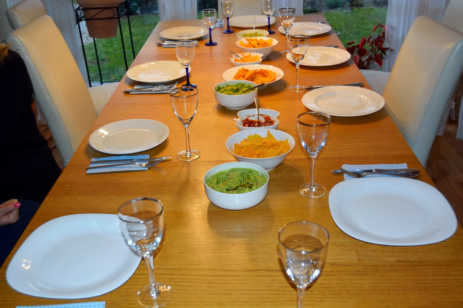 stiny style kochen mit freunden mexikanisch mole con pollo und guacamole. Black Bedroom Furniture Sets. Home Design Ideas