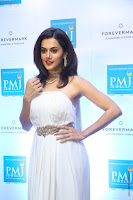 taapsee pannu launches forevermark diamond collection 20.jpg