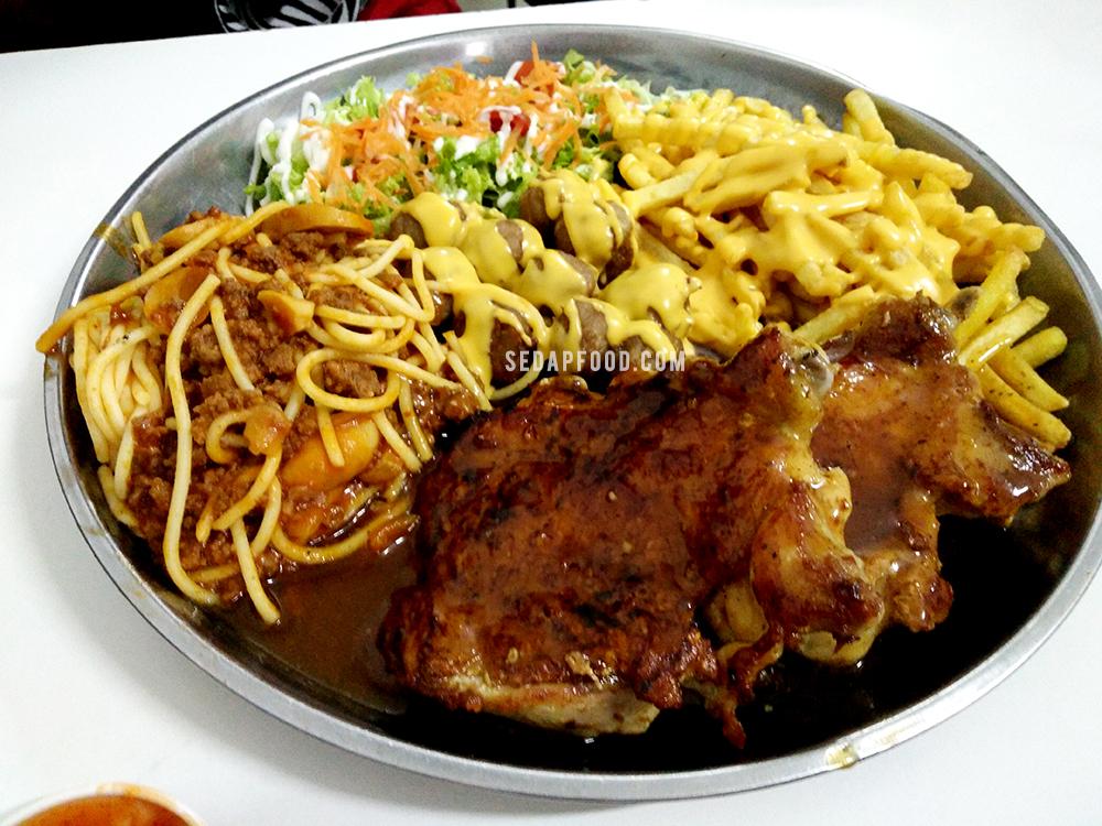 Makan Chicken Chop RM30 Dalam Dulang Kat Muar