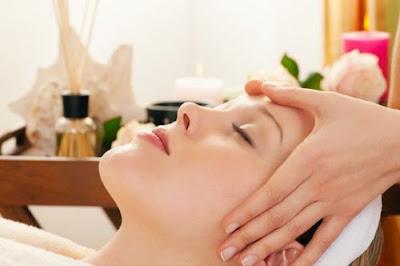 Doanh nhân Phan Đức Linh chia sẻ cách massage giúp giảm đau đầu