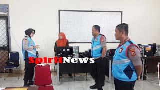 Irwasda Polda Sulsel, Pantau Kesiapan Panitia Akademik dan Pengawas Internal, Eksternal di SMKN 5 Makassar