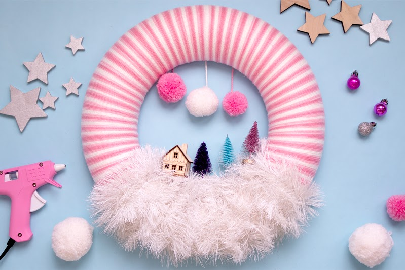 how to make a christmas scene wreath tutorial