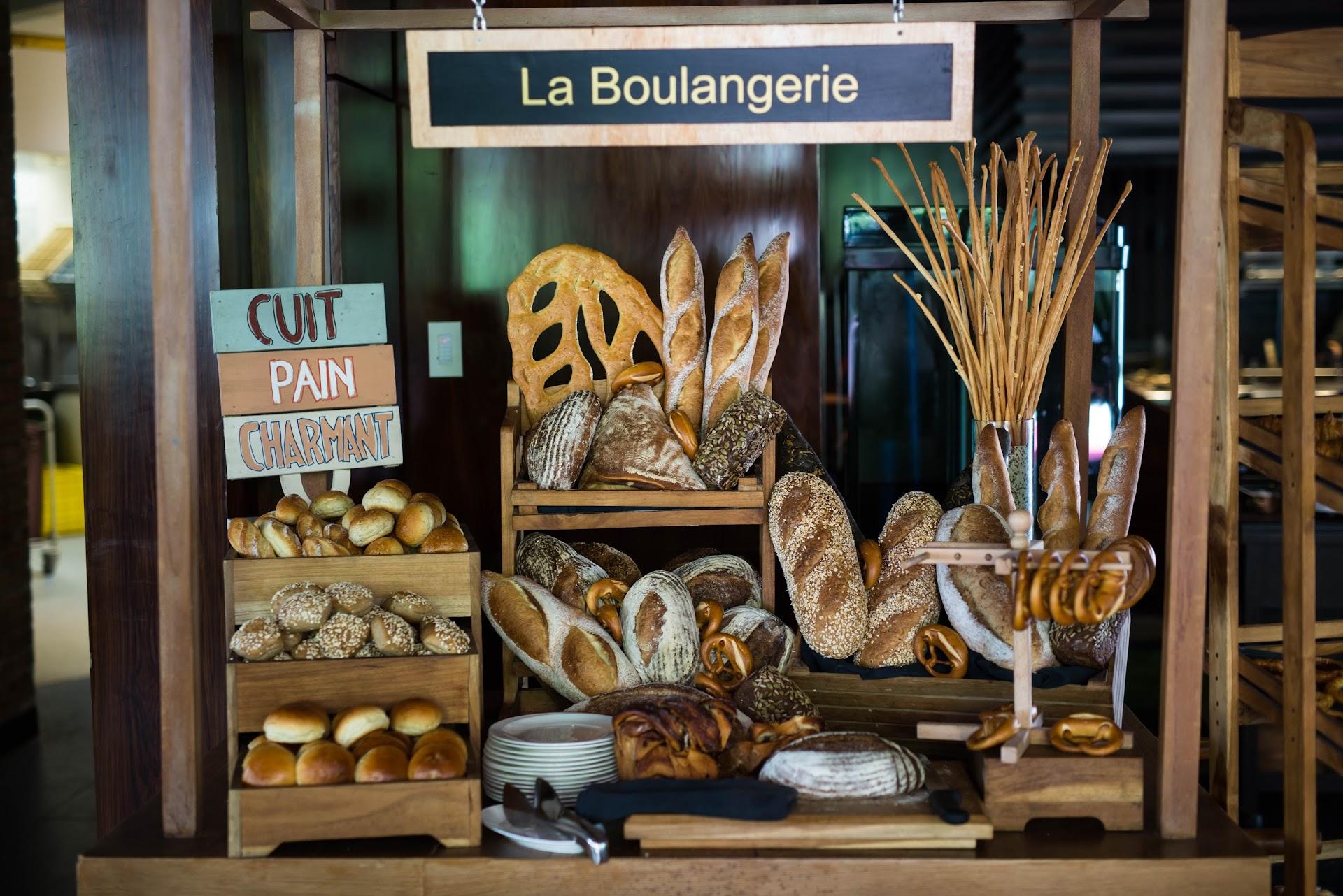 sofitel nusa dua weekend brunch, bread buffet, babka, what to eat in bali, best brunch, buffet in the world