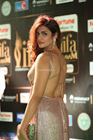 Telugu Actress Aarthi in Deep Neck Backless Golden Gown at IIFA Utsavam Awards 2017 Exclusive 20.JPG