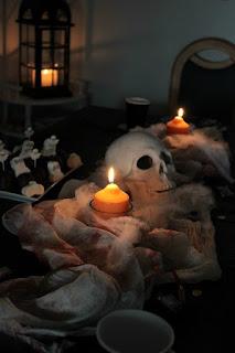 http://sasibella.blogspot.de/2015/11/halloween-ein-ruckblick-auf-die-etwas.html