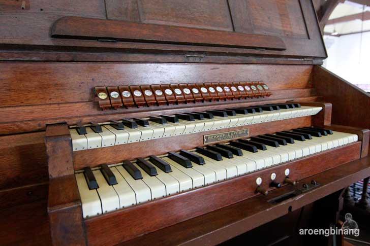 orgel gereja sion jakarta