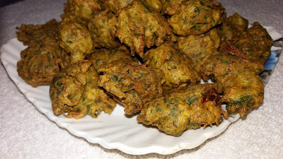 http://www.indian-recipes-4you.com/2017/09/palak-pakoda-recipe.html