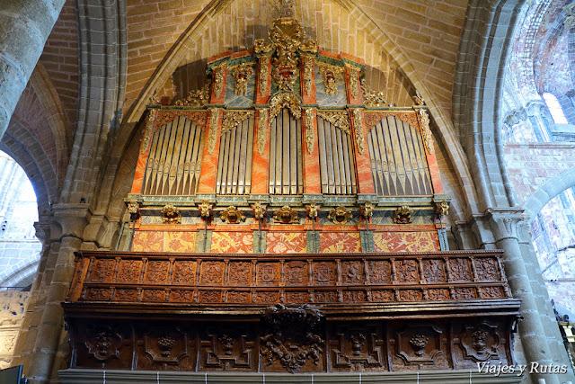 órgano de Interior de la catedral de Ávila