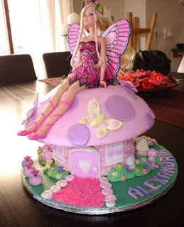 gambar kue ultah tema barbie