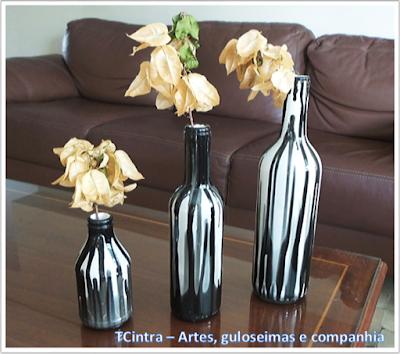 ARTESANATO; DECORAÇÃO; GARRAFAS; RECICLAGEM; pintura em garrafas; arte com garrafas; reutilizando garrafas; lixo é luxo; garrafa com esmalte sintético; passo-a-passo