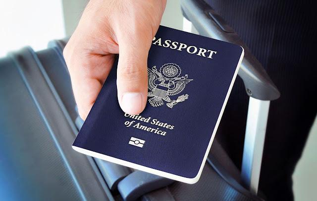 Keunikan Paspor Inggris Berbeda dari yang Lain