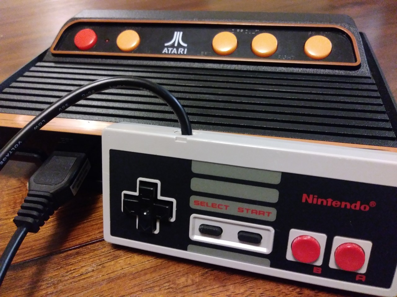 Atari Mods: We Review A Modded NES Controller On The Atari Flashback 8 Gold