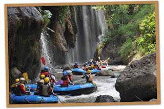 http://www.wisatabromo.my.id/2015/09/paket-wisata-bromo-rafting-songa.html