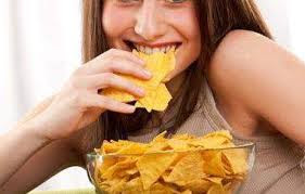 Hindari makanan yang digoreng saat menstruasi