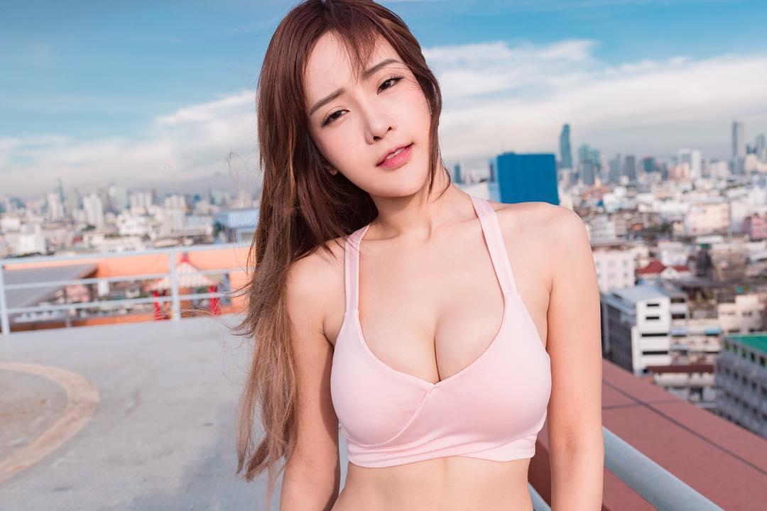 Cô gái hội tụ đủ các nét đẹp giữa 4 dòng máu: Trung, Hàn, Nhật, Thái