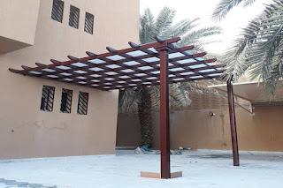 تركيب مظلات وسواتر في شمال الرياض
