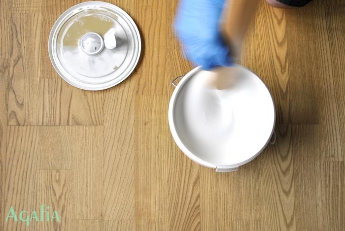 Jak malować podłogę?