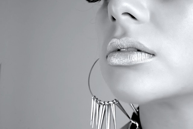 photo-femme-bouche-maquillage
