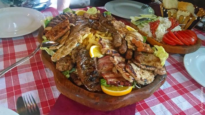 Мясное ассорти гриль, ресторан «Кужина»
