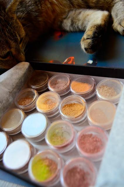 annabelle minerals | próbki | cienie | podkłady | kot | kolory