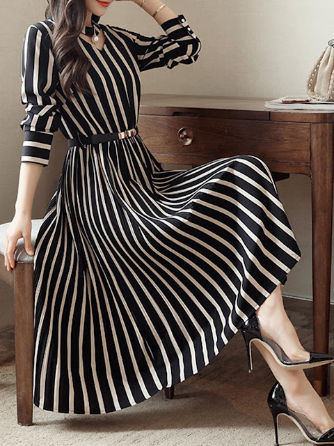 https://www.fashionmia.com/Products/round-neck-cutout-vertical-striped-belt-midi-skater-dress-209025.html