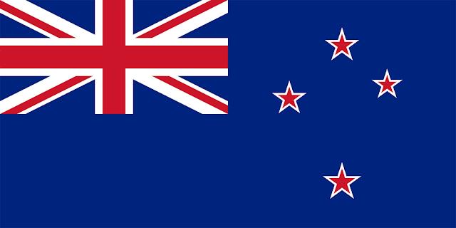 Um terremoto e uma série de tremores secundários poderosos sacudiram a Nova Zelândia no início da segunda-feira, matando pelo menos duas pessoas e provocando um alerta de tsunami que fez milhares fugirem para lugares mais altos