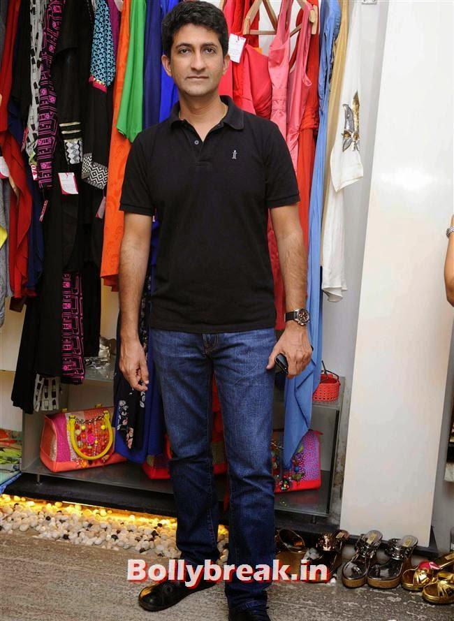 Moshe Shek, Akanksha Agarwal at 'YOU Presents Resort Wear Collection'