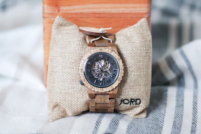 http://www.woodwatches.com/#seeingallsides