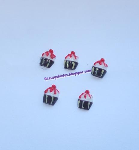 3D Cupcakes Nail Art