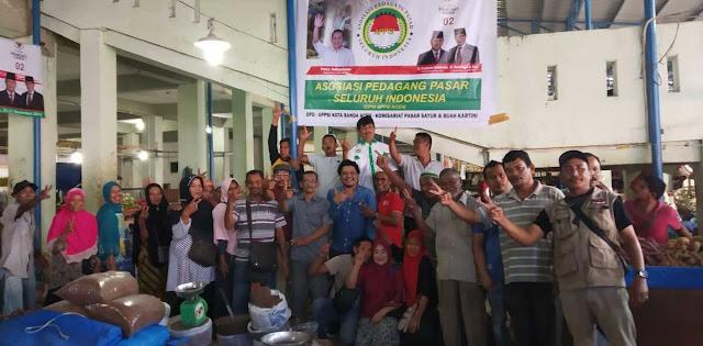 Pedagang Pasar Bekerja Keras Menangkan Prabowo-Sandi
