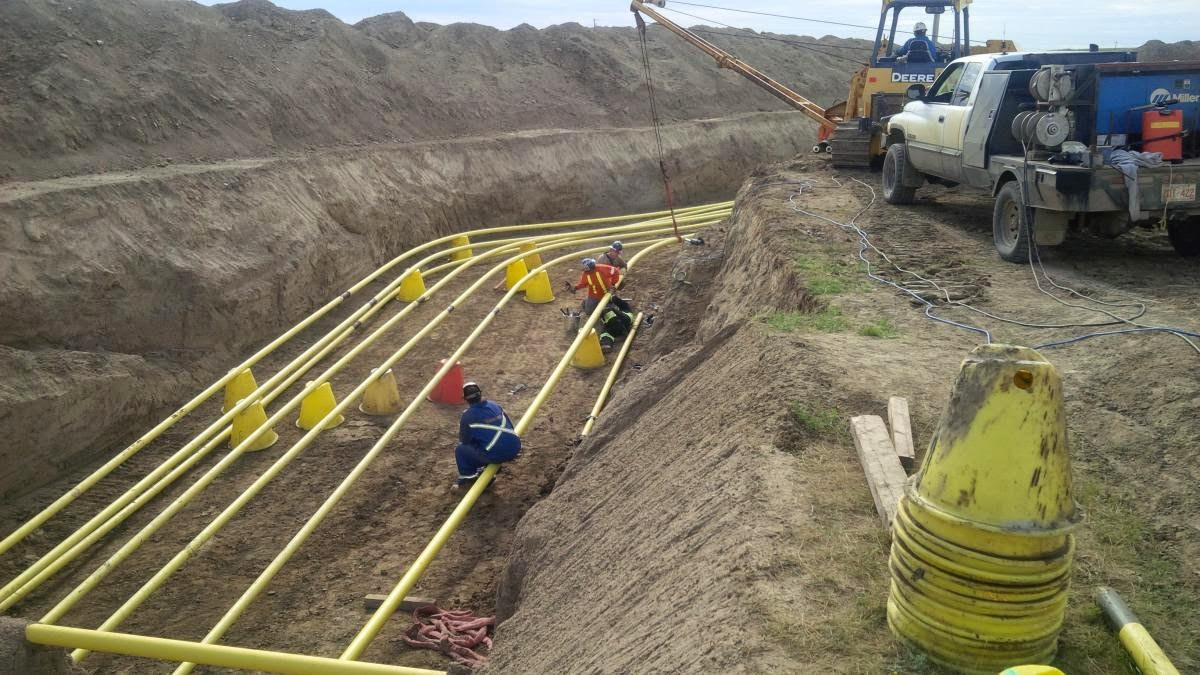 BACKHOE OPERATION BEST PRACTICES DURING CONSTRUCTION OF GAS AND OIL PIPELINES  Metropolitan