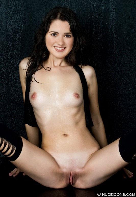 celebrity nude Laura Marano