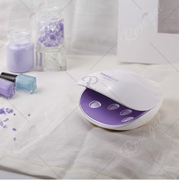 https://www.rosegal.com/nail-tools/touchbeauty-tb-1438-uv-light-nail-dryer-nail-polish-drying-tool-built-in-7-uv-lamps-1977298.html?lkid=12883876