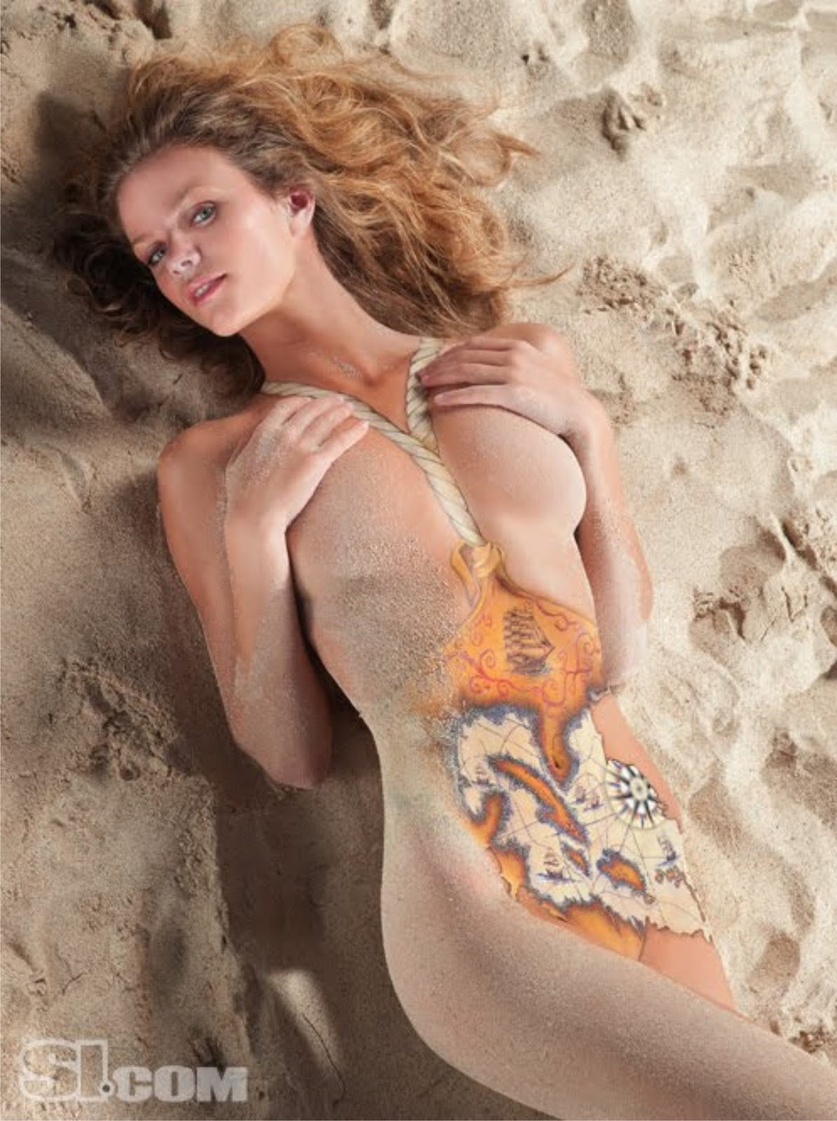 Brooklyn decker's nude body painting in si