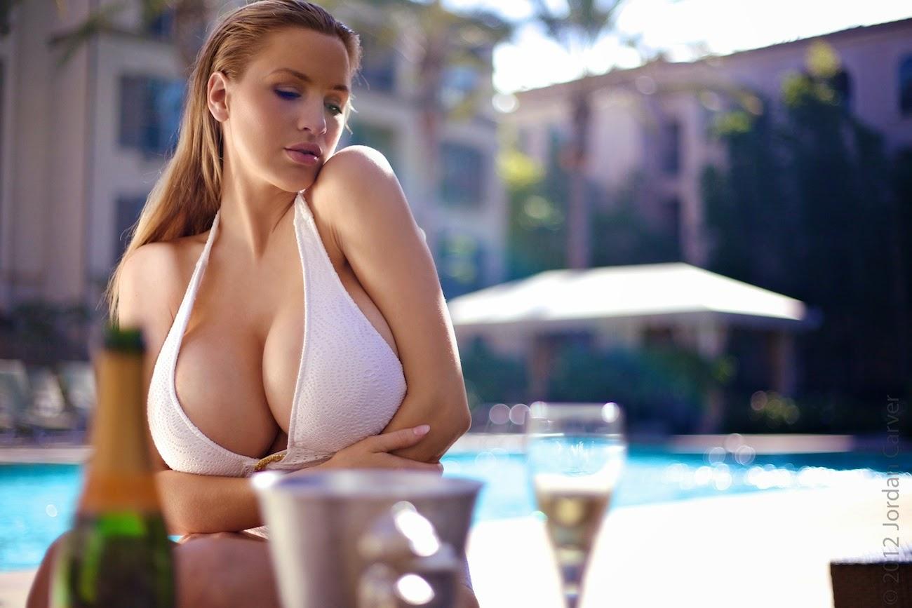 Секс с сиськатой телкой, Большие сиськи. Русские женщины с большой грудью 15 фотография