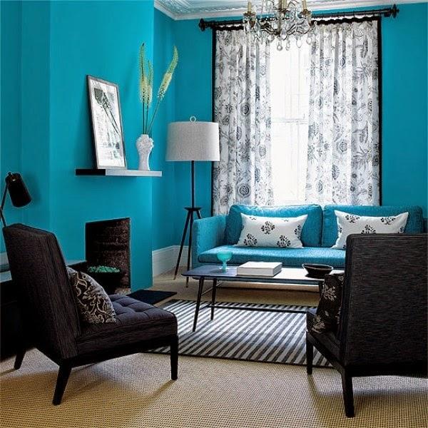Desain Interior Ruang Tamu Minimalis Warna Biru Ada Lukisan Dan Vas Bunga