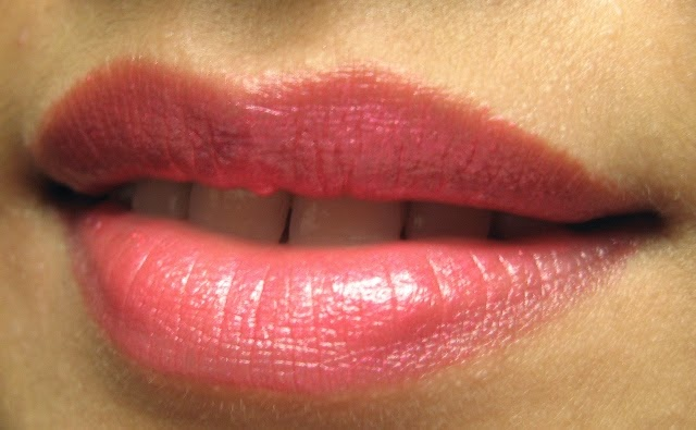Lip swatch of Cherry Pearl Elizabeth Arden Lipstick