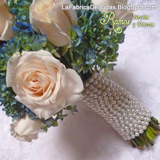 Floristeria comprar ramo para boda celeste aqua azul opciones ramo en celeste azul aqua diseño de ramo perlas y joyas en tallo