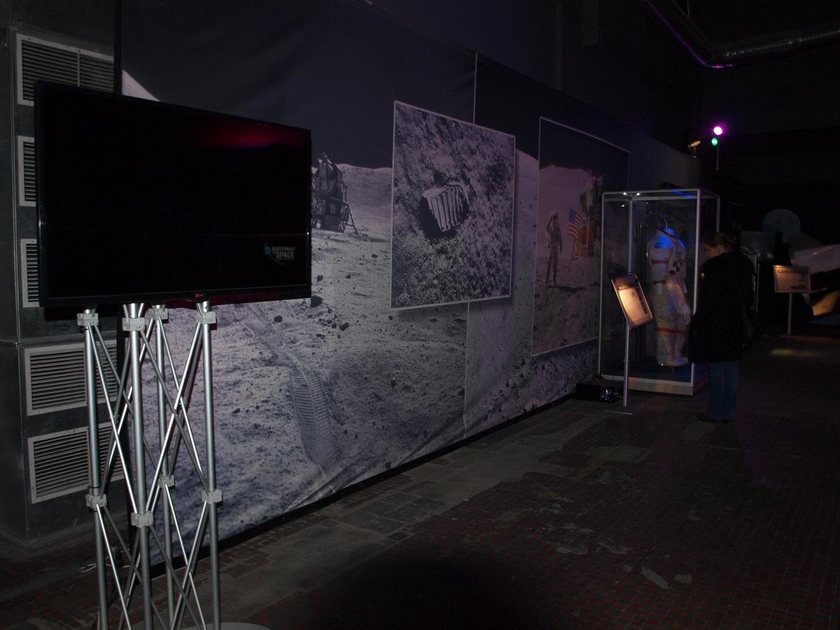 Pierwsze stanowiska poświęcone programowi Apollo | Fot: polskiastrobloger.pl