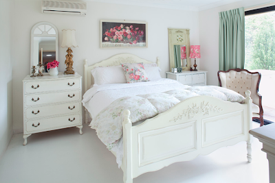 White+Vintage+Chic+bedroom Vintage Style Interior Inspiration Paint Me White Shabby Chic Vintage Furniture