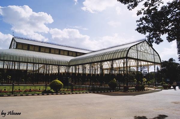 Sera-din-Gradina-Botanica-Bangalore